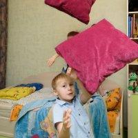 Летающие подушки :: Вячеслав Овчинников