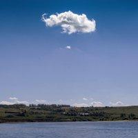 Одинокое облако :: Виктор Куприянов