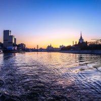 Москва река утром :: Nurga Chynybekov