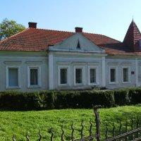 Административное  здание  в  Долине :: Андрей  Васильевич Коляскин