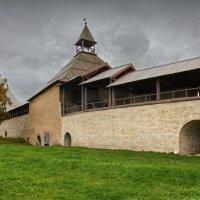 Стены Староладожской крепости :: Константин