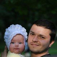 Папа с дочкой-2. :: Руслан Грицунь