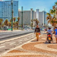 Прогуливаясь по набережной-4 :: Gene Brumer