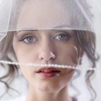 И снова красотка невеста :: Денис Соболев