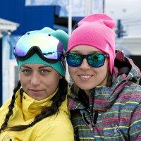 Милые улыбки горнолыжниц :: Александр Рейтер