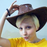 девушка и шляпа :: Олег Лукьянов