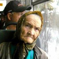 в автобусе :: Леонид Натапов