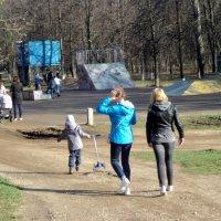 Ура! Весна! Все в Люберецкий парк! :: Ольга Кривых