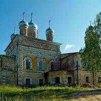 церковь Михаила-Архангела :: Наталья Зимирева