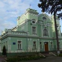 Дом  культуры  в  Стрыю :: Андрей  Васильевич Коляскин