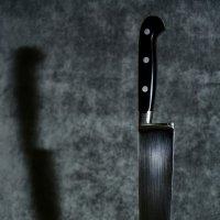 яблоко и нож :: Сергей