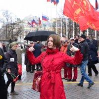 Разминка ведущей перед репортажем :: Вячеслав Богомолов