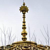 Шпиль купола Турецкой бани :: Сергей