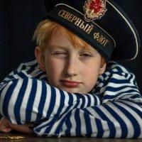 матрос спит,а служба идет... :: Евгений Осипов