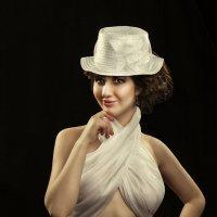 Дама в белом! :: Аркадий Краснояров