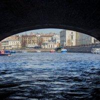 Водная прогулка по каналам Северной столицы :: Виктор М