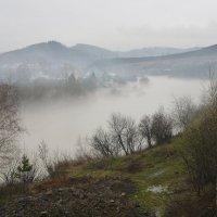 Туман над рекой. :: Сергей Бурнышев