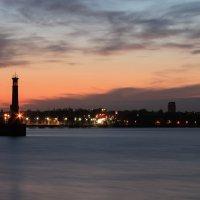 Закат в городе - Запорожский маяк. :: Елена