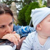 Глаза мамы всегда смотрят на тебя :: Ирина