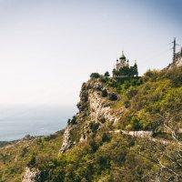 Храм на скале.Крым :: Вадим
