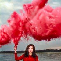 Красный дым :: Mikhail Andreev