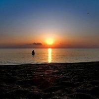 Старик и море... :: владимир