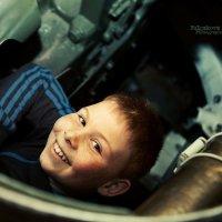 Броня крепка и танки наши быстры.. :: Анна Булгакова