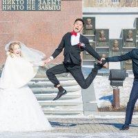 Разрывают жениха :: Алексей Хоноруин