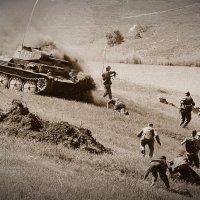 Поджог фашистского танка. :: Владимир Болдырев