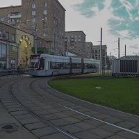 Трамвай из трёх составных частей. :: Яков Реймер