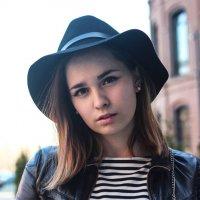 Девушка в шляпе :: Валерия Потапенкова