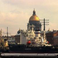 Парад ледоколов в Санкт-Петербурге :: Вера Моисеева