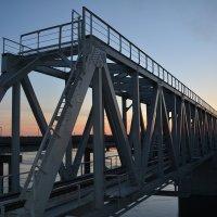 Новенький мост в городе Северодвинске. :: Михаил Поскотинов