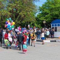 На парад. :: Геннадий Оробей