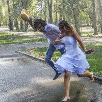 Свадебный дождь :: юрий Амосов