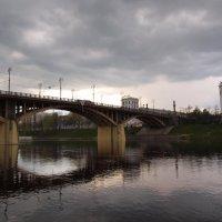 Витебск. Кировский мост во время дождя :: Михаил Юрьевич