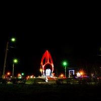 Памятник «Ровесникам, ушедшим в бой» (иногда его называют «Черный тюльпан») :: Сергей Алексеев