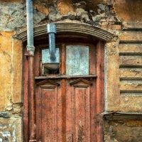 Из жизни дверей :) :: Николай