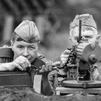 Враг не пройдёт !!! :: Владимир Салапонов