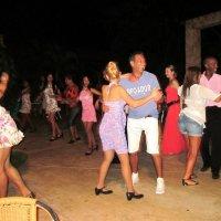 Кубинская танцплощадка :: Елена Байдакова
