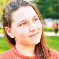 В парке-2 :: Полина Потапова
