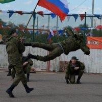 в Кировском районе местные жители с удовольствием посмотрели :: Savayr