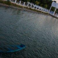 озеро и беседка :: Андрей Баканов