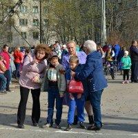 Наставление бабушек перед стартом воспитанников детских садов. :: Марина Никулина