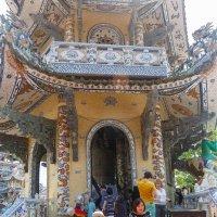 Пагода Линь Фуок. Далат. Вьетнам. :: Татьяна Калинкина