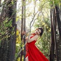 Елена в Панском саду,весна :: Алеся Корнеевец