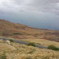 Дорога на Мертвое море :: Ирина
