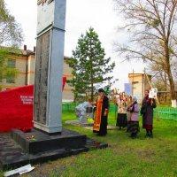 Молебен у памятника участникам ВОВ 09.05.2016 г. :: Татьяна ❧