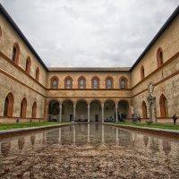 Один из двориков замка Сфорца, Милан :: Евгений {K}