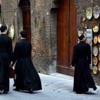 На улочке во Флоренции. :: Асылбек Айманов